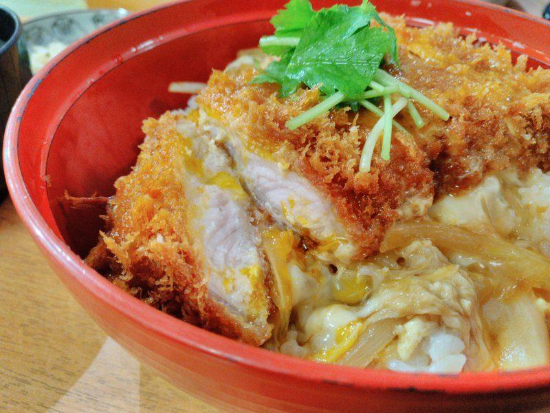 ロースカツ丼 990円