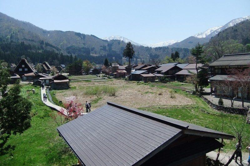白川郷を一望できる丘から撮影