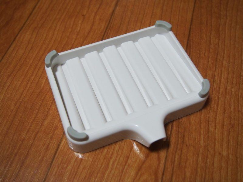 底面の四隅にはシリコンキャップがついており、滑らずしっかり安定して使えます。