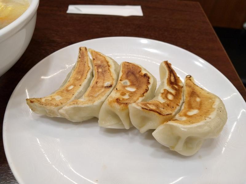 川崎駅近くの中華料理屋「成喜」の餃子