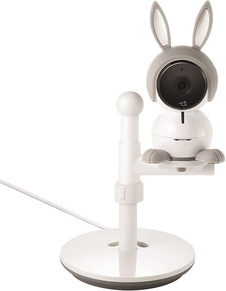 リアルタイムで赤ちゃんの様子を見守れるベビーカメラ「Arlo Baby(アーロベビー)」で専用スタンドを使用した様子1